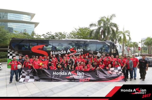 """Chiêm ngưỡng siêu mô tô 7 tỉ và dàn xe """"khủng"""" xuất hiện trong hành trình Honda Asian Jourrney 2017 - Ảnh 8."""