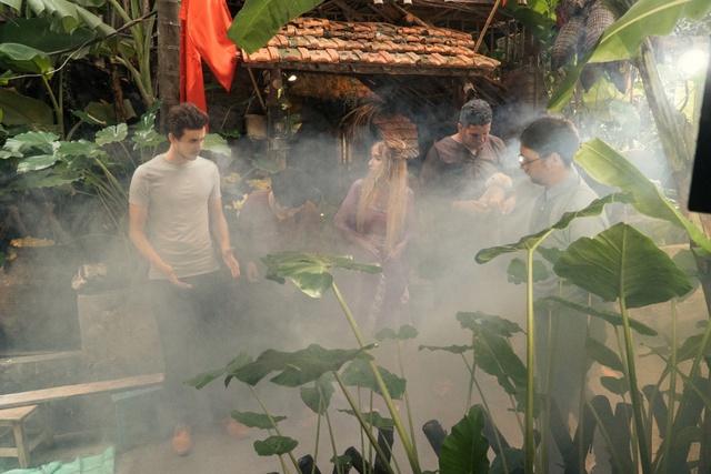 Cười vỡ bụng với clip các bạn trẻ nước ngoài làm về nhân vật văn học Việt Nam - Ảnh 1.