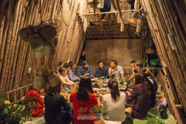 Cười vỡ bụng với clip các bạn trẻ nước ngoài làm về nhân vật văn học Việt Nam - Ảnh 7.