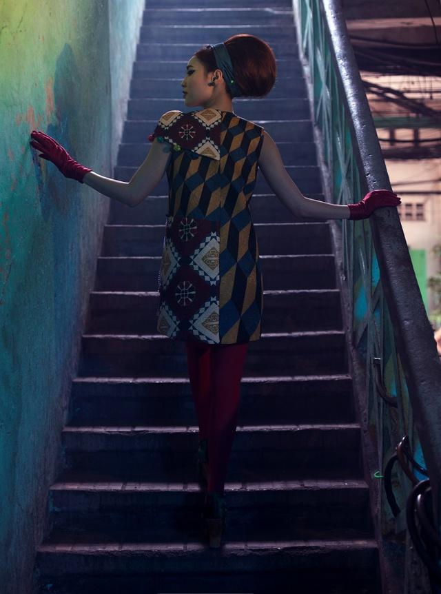 Cặp đôi mỹ nhân Cô ba Sài Gòn đẹp hoài cổ với trang phục của Thuỷ Design House - Ảnh 3.