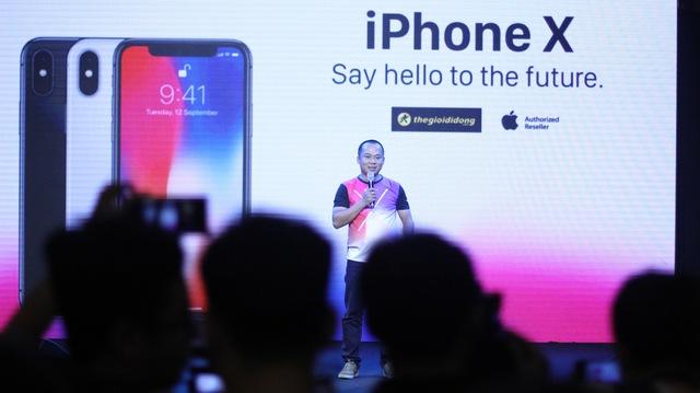 Cứ 3 phút, có 1 chiếc iPhone X được đặt cọc tại Thế Giới Di Động - Ảnh 2.