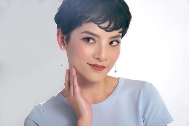 """IT girl Việt """"thả tim"""" bộ hoa tai Holiday Box thần kỳ - Ảnh 1."""