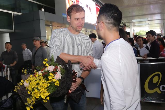 Armin đã đến Việt Nam, sẵn sàng cho đêm nhạc khủng Armin Van Buuren By VinaPhone - Ảnh 2.