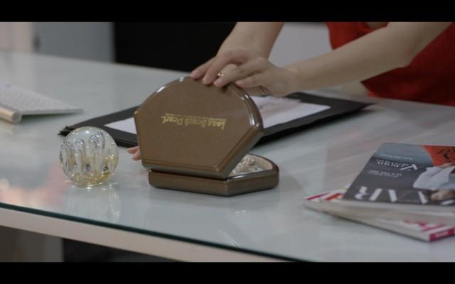 Bật mí trang sức ngọc trai trong phim Cô Ba Sài Gòn - Ảnh 6.
