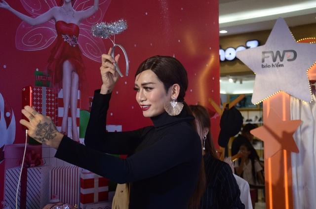 BB Trần cùng dàn sao Việt tự tin thả dáng tại Magic Studio - Ảnh 2.