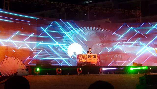 """Giới trẻ thích thú với đêm nhạc EDM Giáng sinh cực """"bốc"""" tại Phú Quốc - Ảnh 3."""