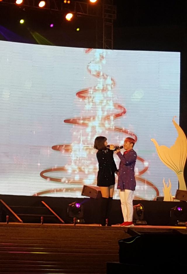 """Giới trẻ thích thú với đêm nhạc EDM Giáng sinh cực """"bốc"""" tại Phú Quốc - Ảnh 4."""