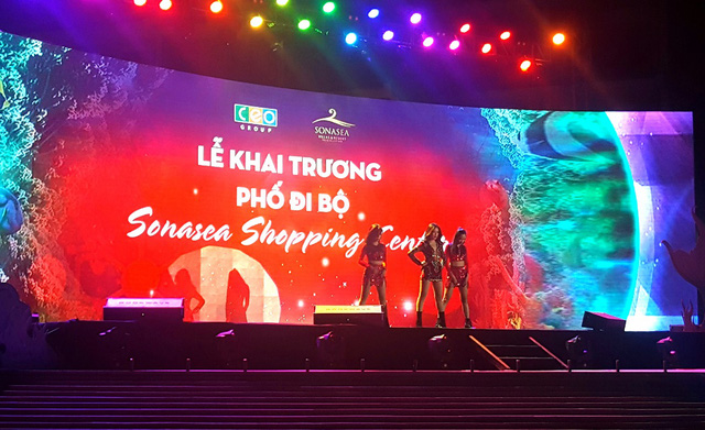 """Giới trẻ thích thú với đêm nhạc EDM Giáng sinh cực """"bốc"""" tại Phú Quốc - Ảnh 6."""