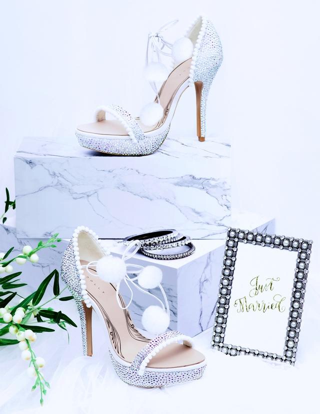 Thuần khiết và trong trẻo như những đôi giày cưới của Dolly - Ảnh 5.