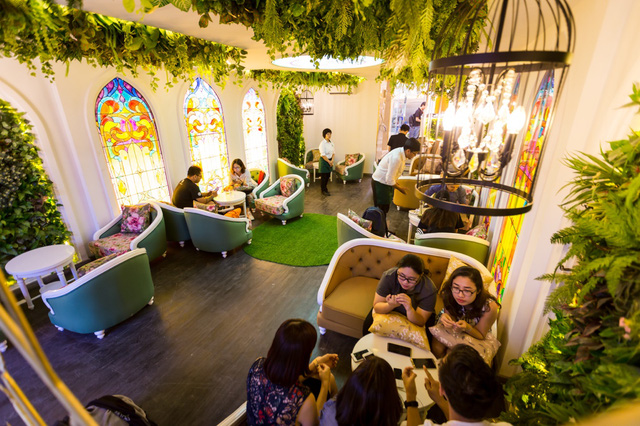 Trải nghiệm không giancafe– Restaurantmang phong cách châu Âusang trọnggiữa lòng Sài Gòn - Ảnh 4.