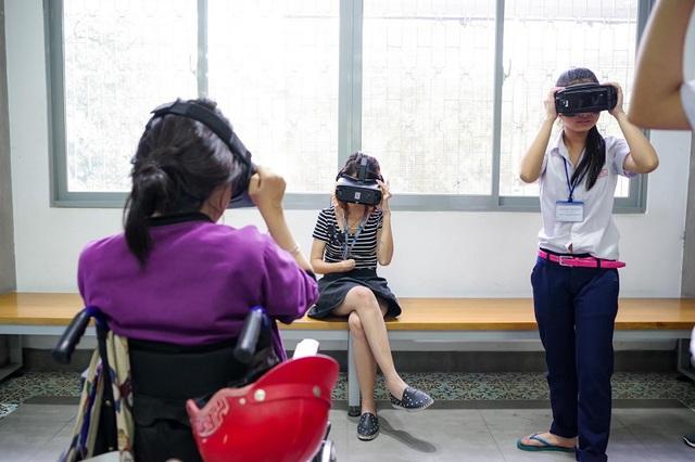 """Xúc động trong buổi tọa đàm """"Công nghệ thu hẹp khoảng cách giữa người khuyết tật và thế giới"""" - Ảnh 26."""