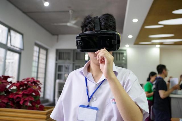 """Xúc động trong buổi tọa đàm """"Công nghệ thu hẹp khoảng cách giữa người khuyết tật và thế giới"""" - Ảnh 28."""