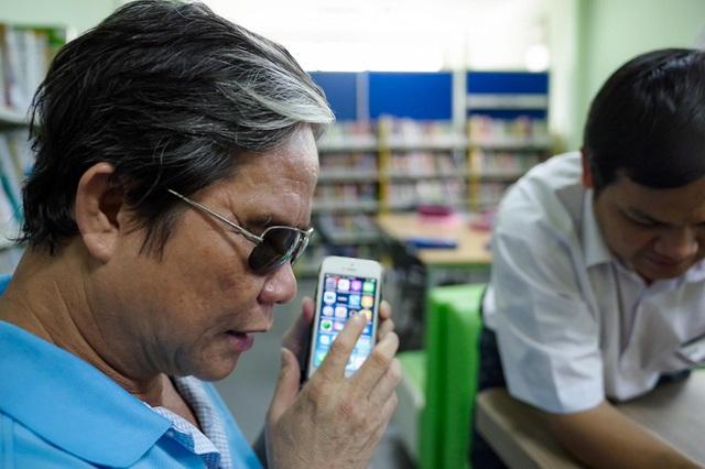 """Xúc động trong buổi tọa đàm """"Công nghệ thu hẹp khoảng cách giữa người khuyết tật và thế giới"""" - Ảnh 46."""