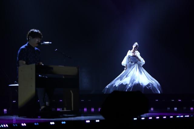 """Mr Siro và Bảo Anh """"song kiếm hợp bích"""" trên sân khấu và cùng """"ẵm"""" giải tại POPS Awards 2017 - Ảnh 2."""