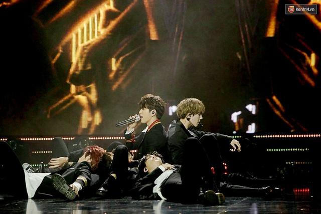 Trong một đêm diễn tại Việt Nam, GOT7, Đông Nhi cùng loạt nghệ sĩ Việt để lại những khoảnh khắc đẹp sâu lắng - Ảnh 3.