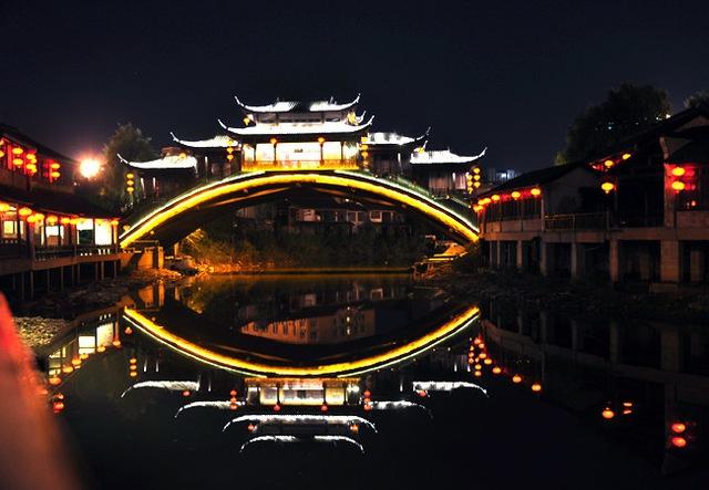 Mê du lịch, bạn nhất định phải xem show diễn văn hoá nổi tiếng ở từng quốc gia này - Ảnh 6.
