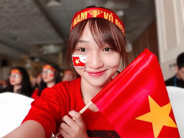 Nhìn lại những cách cổ vũ siêu đáng yêu cho U23 Việt Nam của các hot face trên mạng xã hội - Ảnh 1.