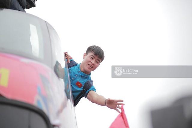 Bạn có tò mò về chiếc xe bus đón các tuyển thủ U23 Việt Nam hôm qua? - Ảnh 6.