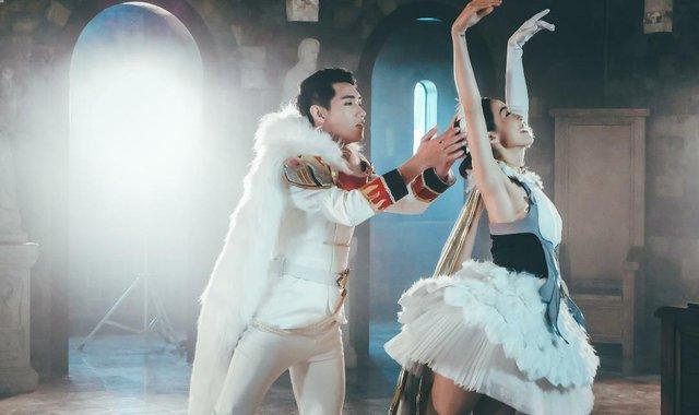 Quang Đăng bất ngờ tái xuất với vũ đạo cực đỉnh cho Valentine năm nay - Ảnh 3.