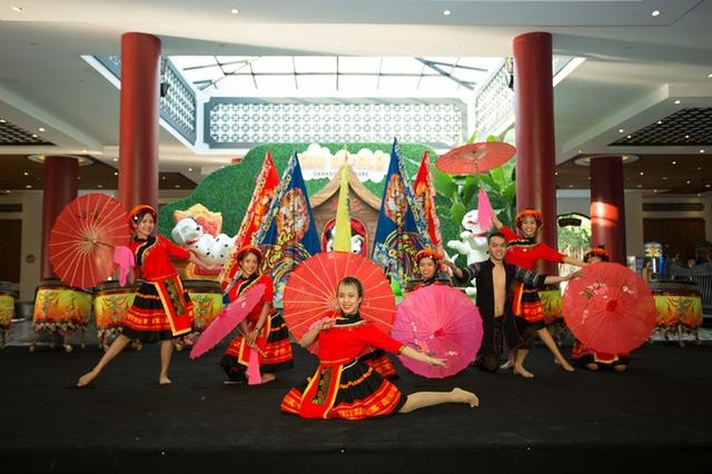 Giới trẻ háo hức chờ đón lễ hội Mai vàng sắc xuân Sun World Danang Wonders - Ảnh 7.
