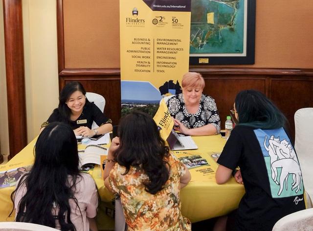 Gặp gỡ gần 40 trường Úc tại triển lãm du học quốc tế - Ảnh 2.