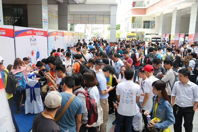 """""""HUTECH IT Open Day"""" - Sàn giao dịch việc làm của sinh viên thời công nghệ 4.0 - Ảnh 4."""