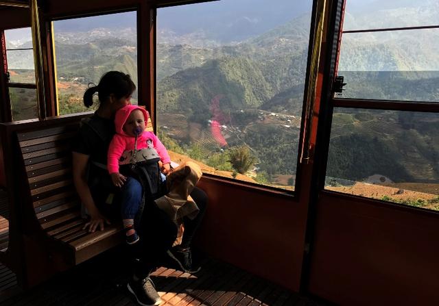 Tây Bắc đẹp dịu dàng qua ô cửa cabin tàu hỏa leo núi Mường Hoa - Ảnh 5.