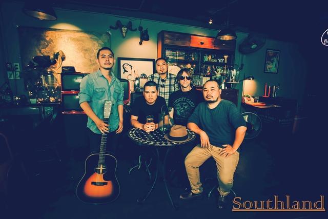 Võ Trọng Phúc thực hiện mini liveshow đầu tiên trong năm 2018 kết hợp ra mắt ban nhạc country với tên SOUTHLAND - Ảnh 1.
