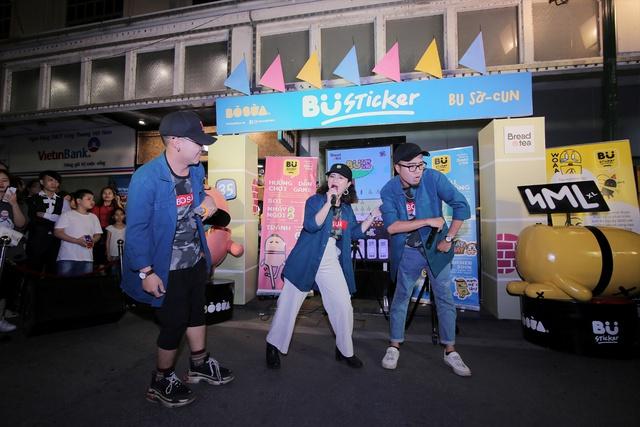 Lộn Xộn Band ra mắt bài hát mới, cùng dàn hot teen náo loạn tại sự kiện thực tế ảo trên phố đi bộ - Ảnh 1.