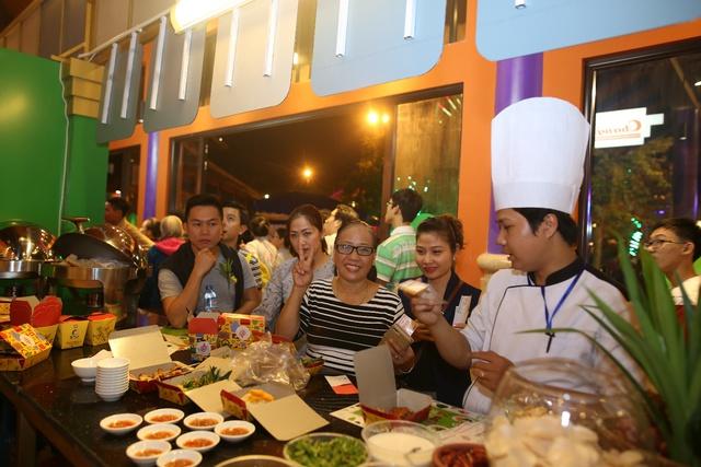 Đà Nẵng khai trương không gian ẩm thực sức chứa 5.000 du khách - Ảnh 2.