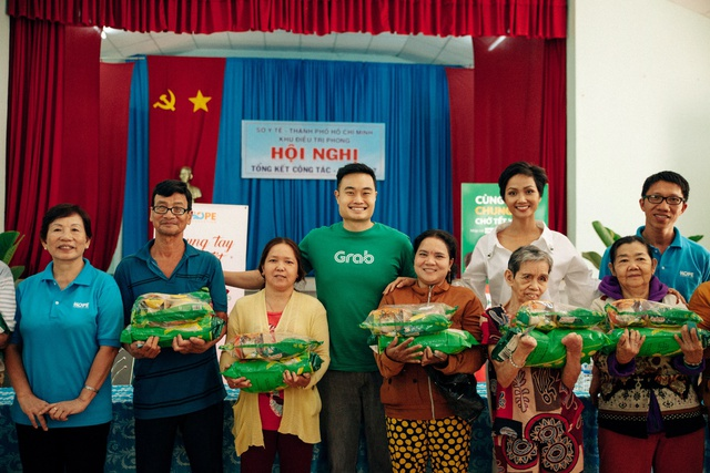 Hoa hậu H'Hen Niê đồng hành hỗ trợ trẻ em nghèo - Ảnh 4.