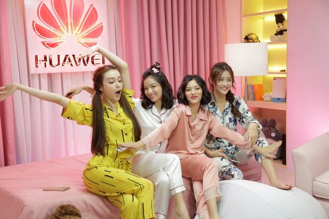 """Tìm đâu xa, Pijama Party là chương trình hôi tụ toàn """"cực phẩm"""": Sam, Nhung Gumiho, Tú Hảo và cả Mlee - Ảnh 1."""