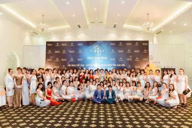 """Huyền Phi Cosmetics tổ chức tiệc vinh danh đẳng cấp """"Inspiration Gala Dinner 2018"""" - Ảnh 1."""
