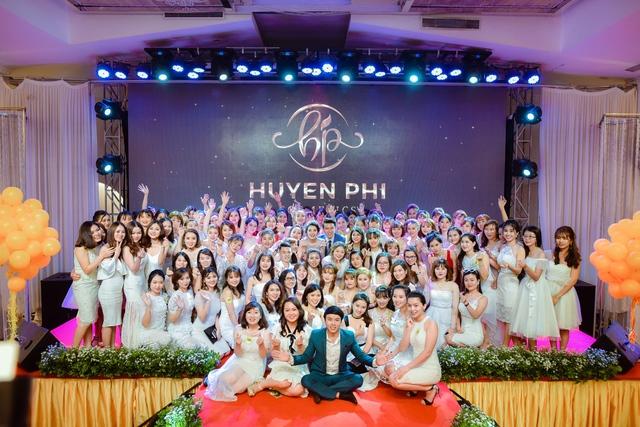 """Huyền Phi Cosmetics tổ chức tiệc vinh danh đẳng cấp """"Inspiration Gala Dinner 2018"""" - Ảnh 10."""