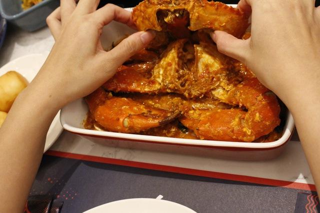 """Cua xốt ớt chuẩn Singapore """"gây mê"""" tín đồ ăn uống Sài thành - Ảnh 4."""
