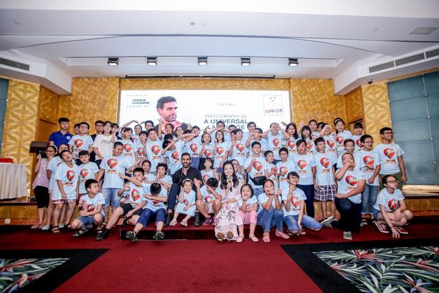 Nhiếp ảnh gia danh tiếng của National Geographic và 2 ngày đáng nhớ tại Việt Nam - Ảnh 1.